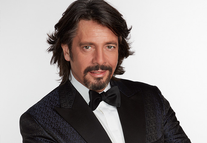 laurence llewelyn bowen collection