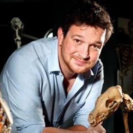 Dr. Ben Garrod
