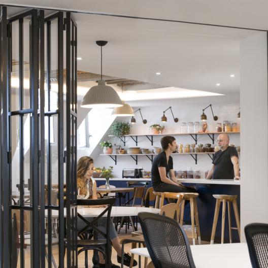 Studios-Architecture-Airbnb-Paris-22_1584x1584_acf_cropped