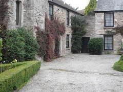 Courtyard property