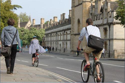 Cyclists = Studio 90 image