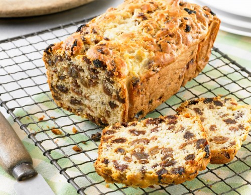 Raisin and Grapefruit Loaf
