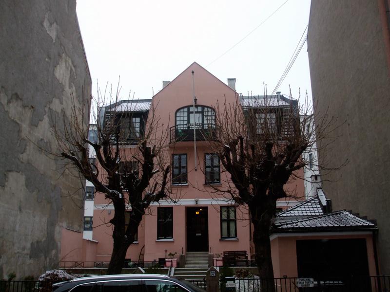 Pink building in Kampen, Oslo