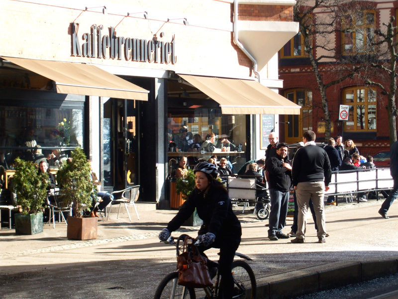 Frogner coffee shop in the springtime