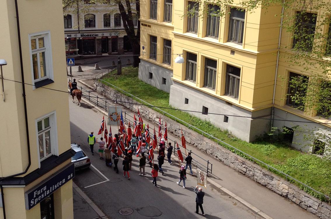 Møllergata Skole practising for 17 May parade