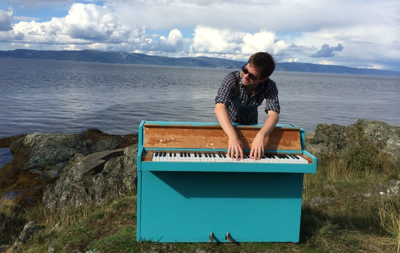 Chris on the Lade Piano