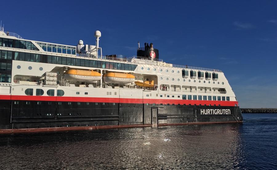 Hurtigruten in Svolvær