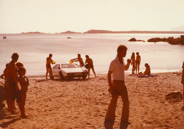 Film crew wet the Lotus Esprit to suggest it has just emerged from the sea