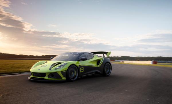 Lotus reveals Emira GT4 race car