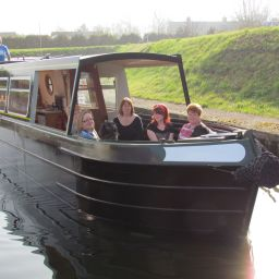 narrowboats.jpg