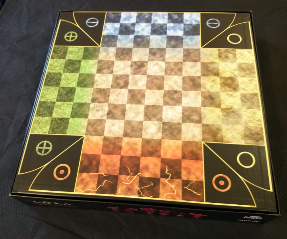 Cracking open the cover, you're greeted by the LOKA gameboard. Again, it looks great.