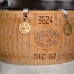 Parmigiano-Reggiano DOP Aged 12 Months 625g 4