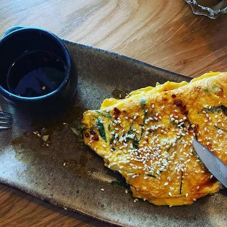 Happy Pancake Day! What a way to start the day with a breakfast cocktail and Korean pancake at @bahabowness with @createaflock - great #networking event!