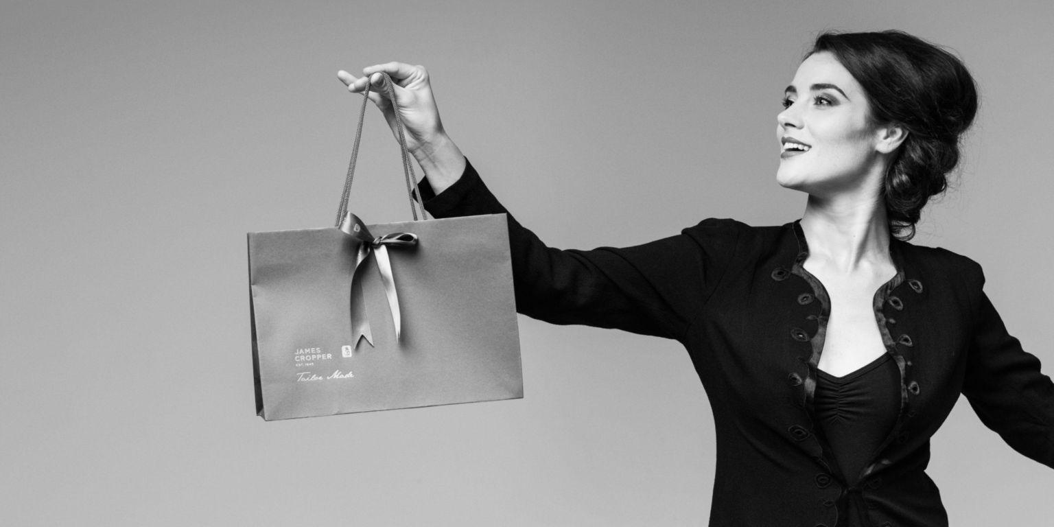 Tailor made bag header