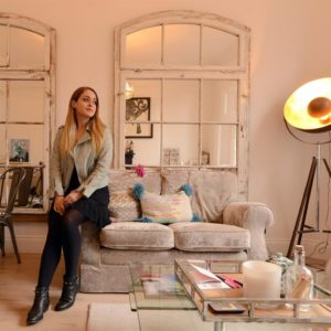 Design Fleurish Beauty Vlogger Fleur Bell S Flat Doubles As A