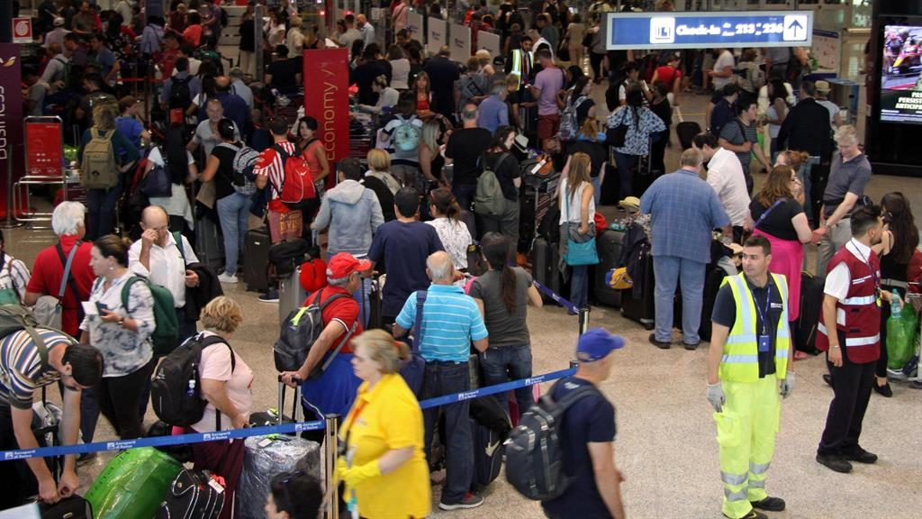British Airways bank holiday chaos likely caused by 'human error'