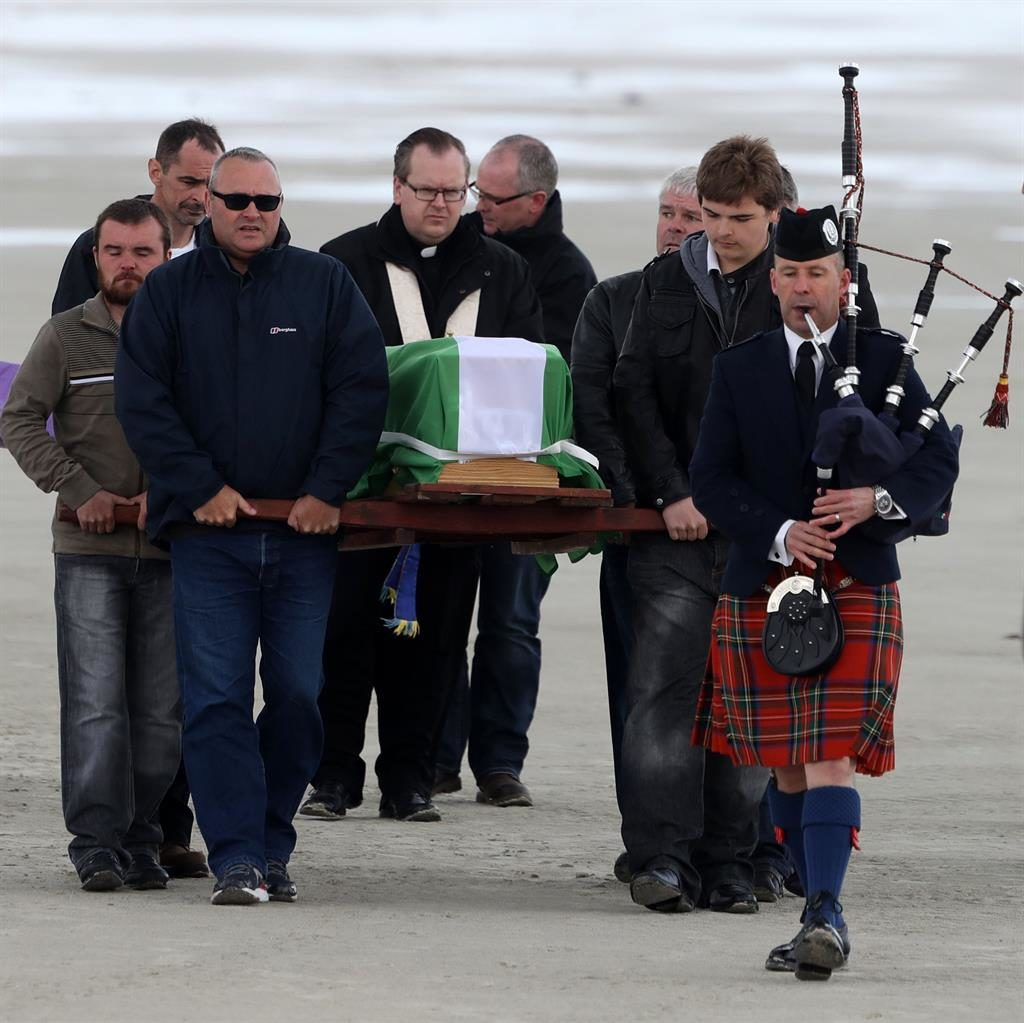 Manchester bomb victim Eilidh MacLeod brought home for island funeral