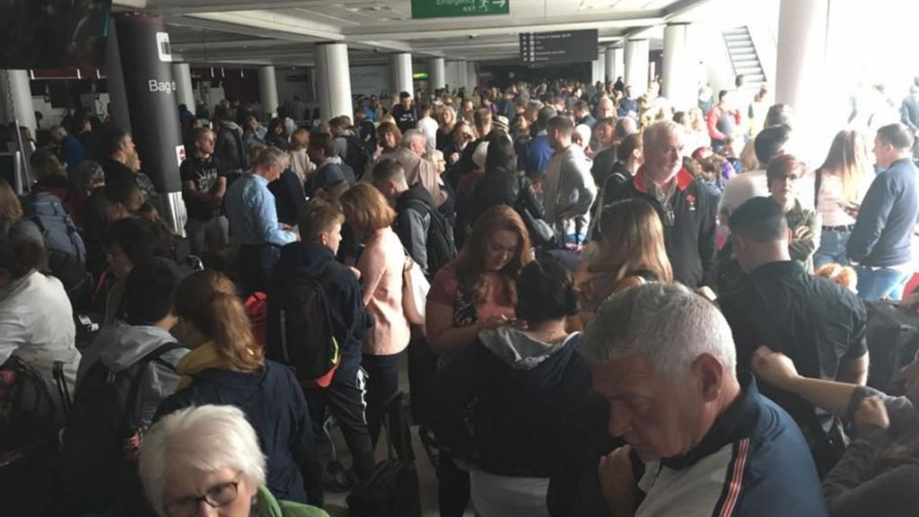 Powercut plunges Edinburgh Airport into darkness and causes delays