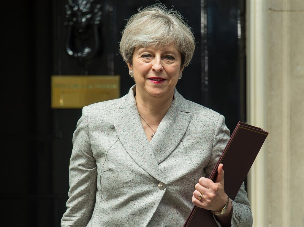 Former Tory PM John Major intervenes over 'fragile' DUP deal