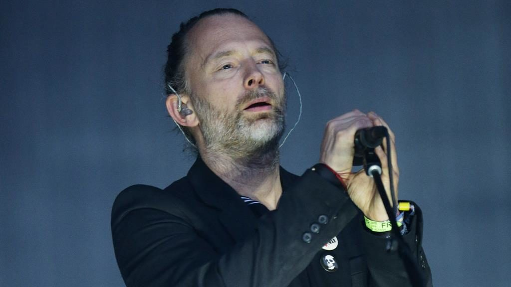 Thom Yorke and Ken Loach argue on Twitter about Radiohead's Israel gig