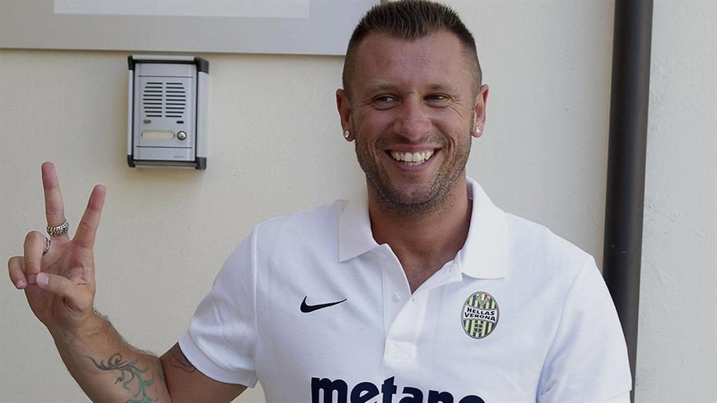 Cassano : Ex-Italian striker in dramatic Verona retirement U-turn