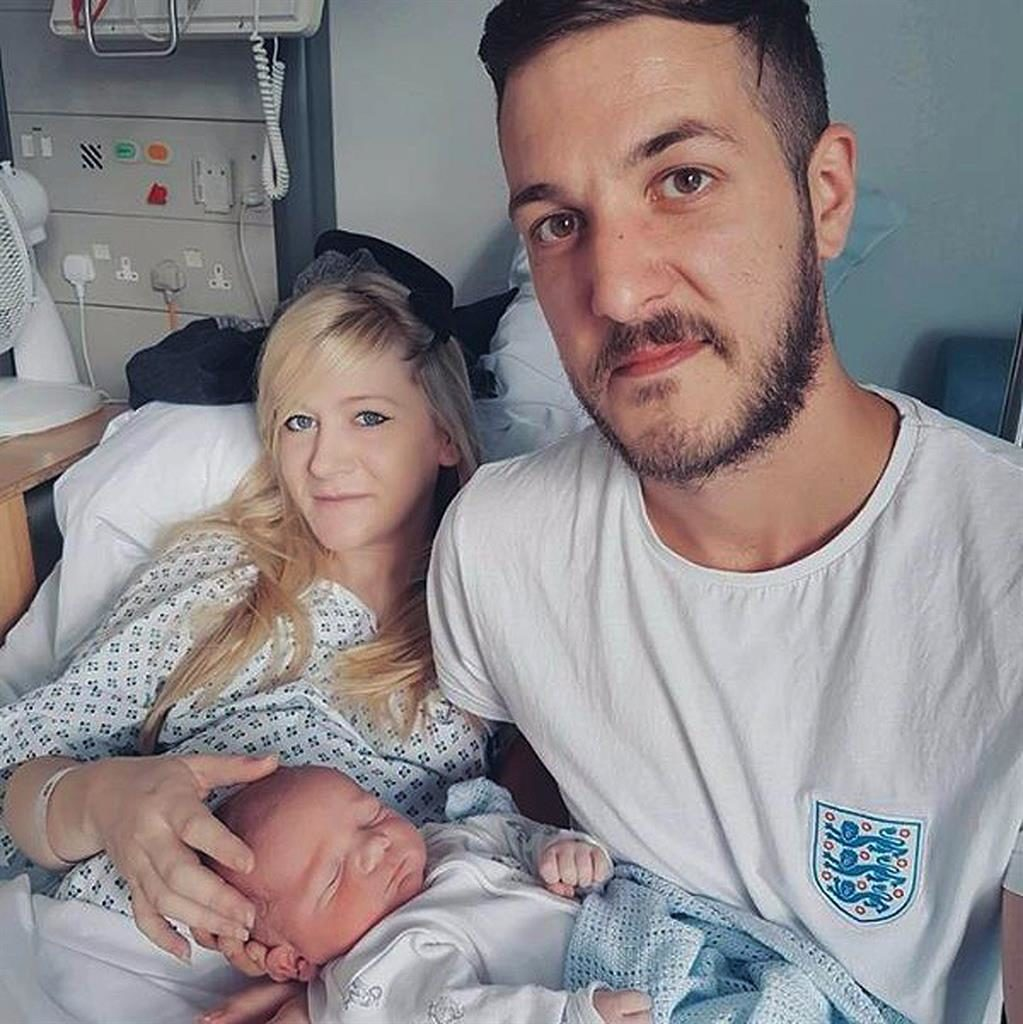 Baby Charlie's parents granted more time to agree hospice plan