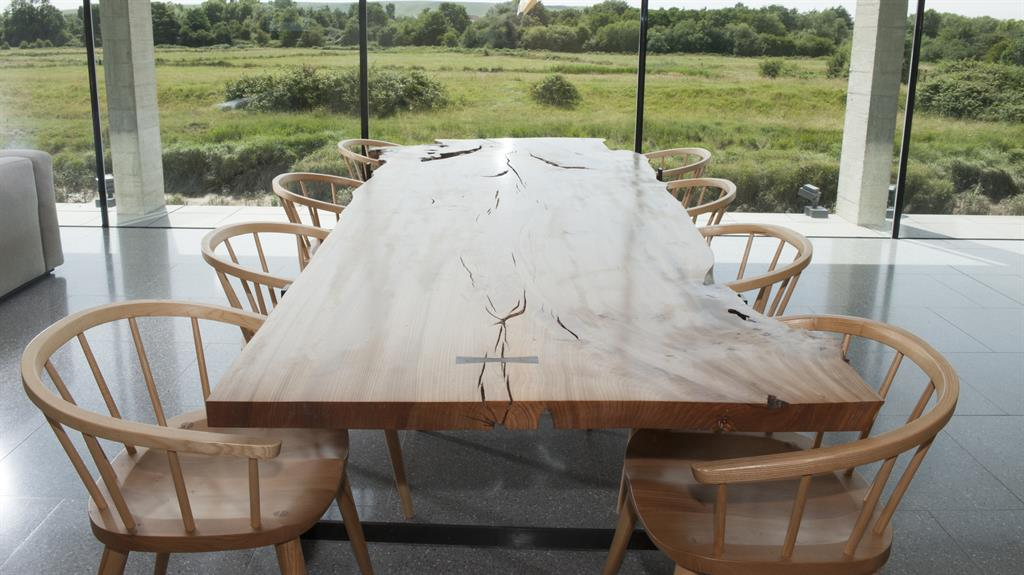 Eat Your Heart Out The 200 Year Old Elm Wooden Dining Table Inset Anita At Work