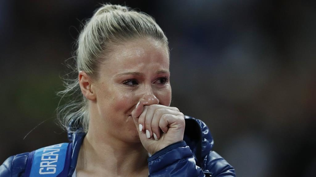 Sophie Hitchon leaves World Championships empty-handed and in floods of tears