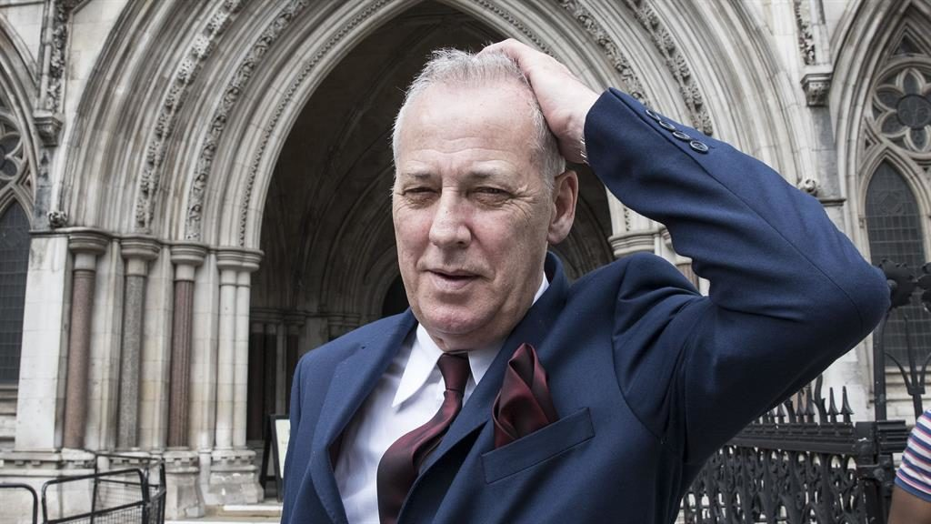 Michael Barrymore to get damages over rape and murder arrest