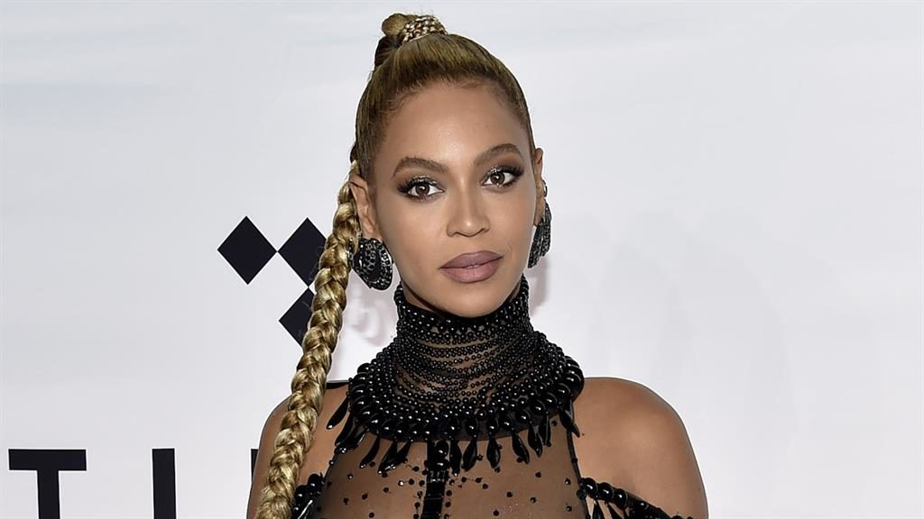 Prayers: Beyonce wants to help victims in her home town PICTURE: AP