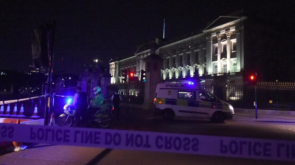 Man charged in United Kingdom after sword incident near Buckingham Palace