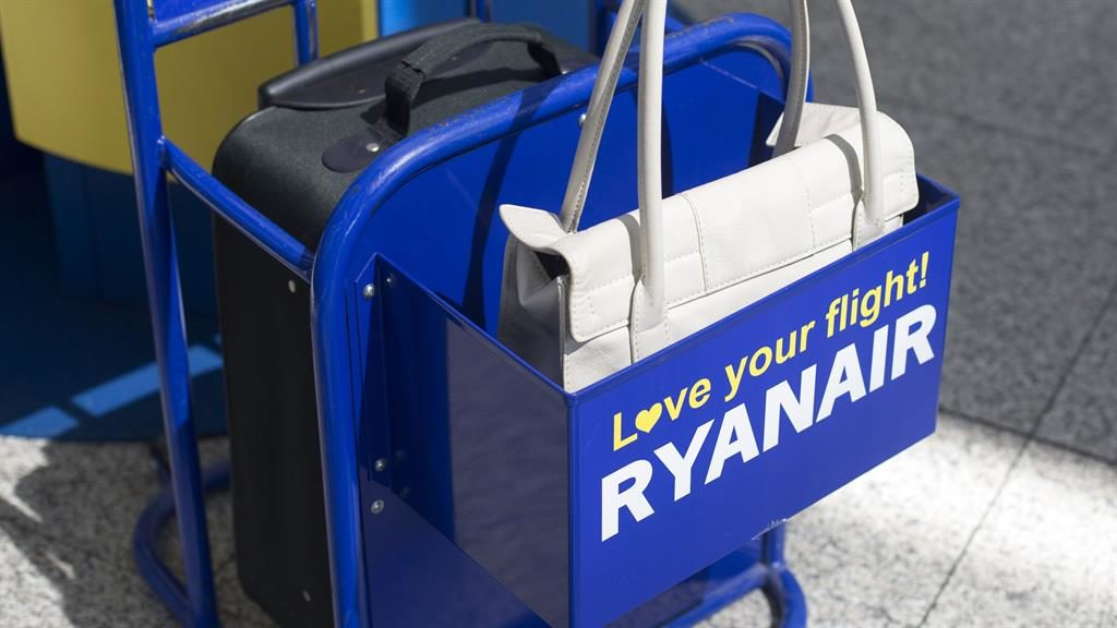 Ryanair Cuts Baggage Fees To Encourage More Customers To Check In Bags