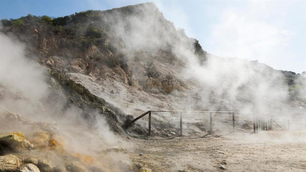 Couple, son killed at volcanic crater near Naples