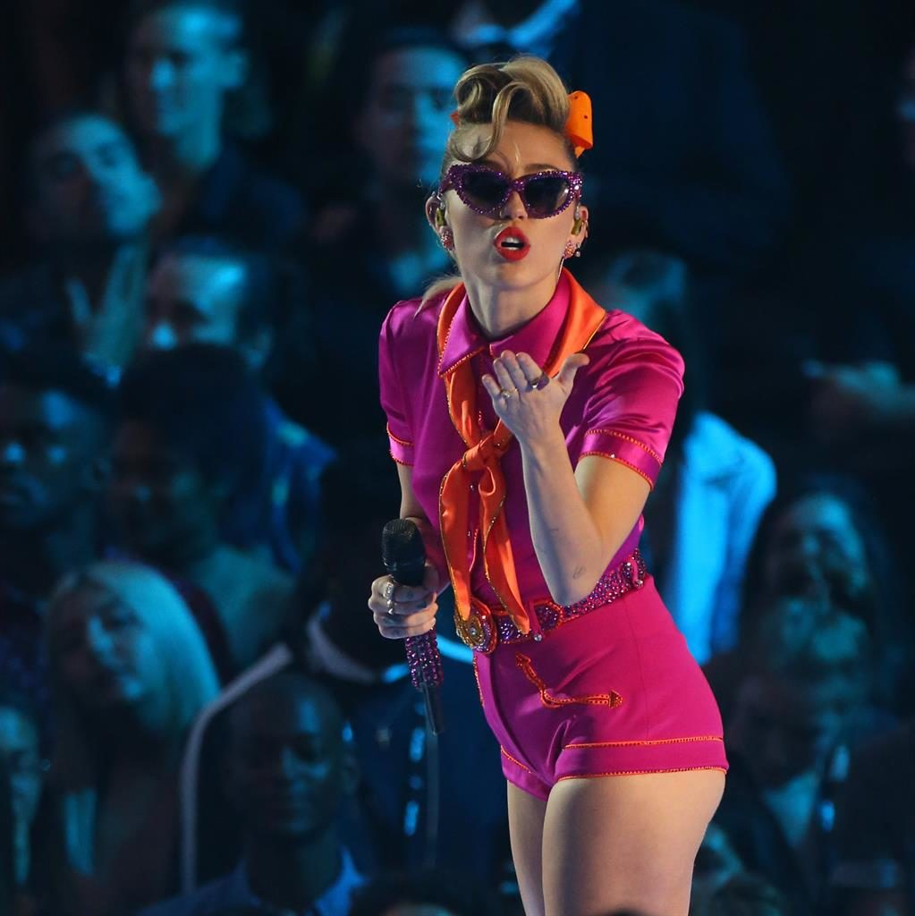 Miley Cyrus Says Her Ultimate Goal Is to Make the World Better!