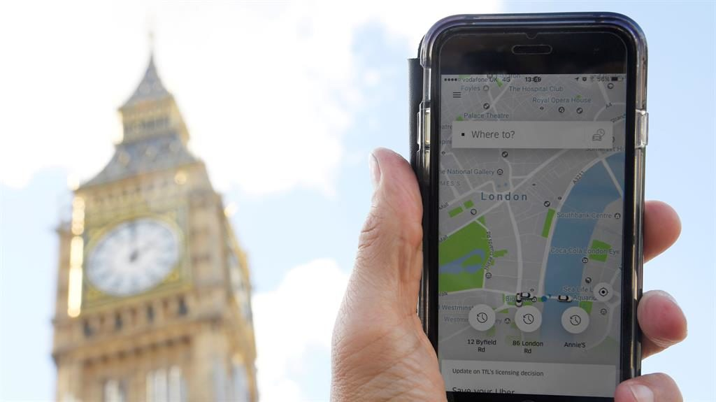 Uber CEO holds 'constructive' talks with London officials