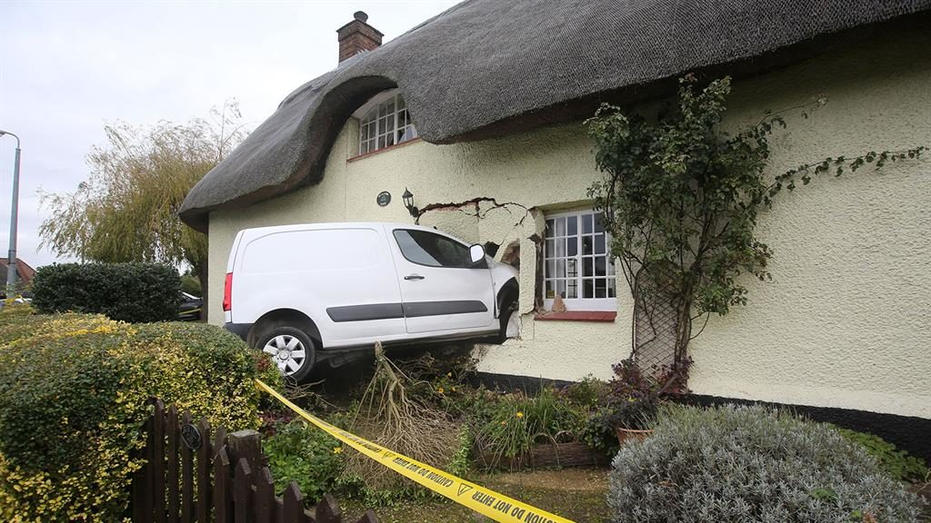 Brands Thatch: The van embedded in the listed 16th century cottage PIC: SOUTH BEDS NEWS/FAIRLEY'S