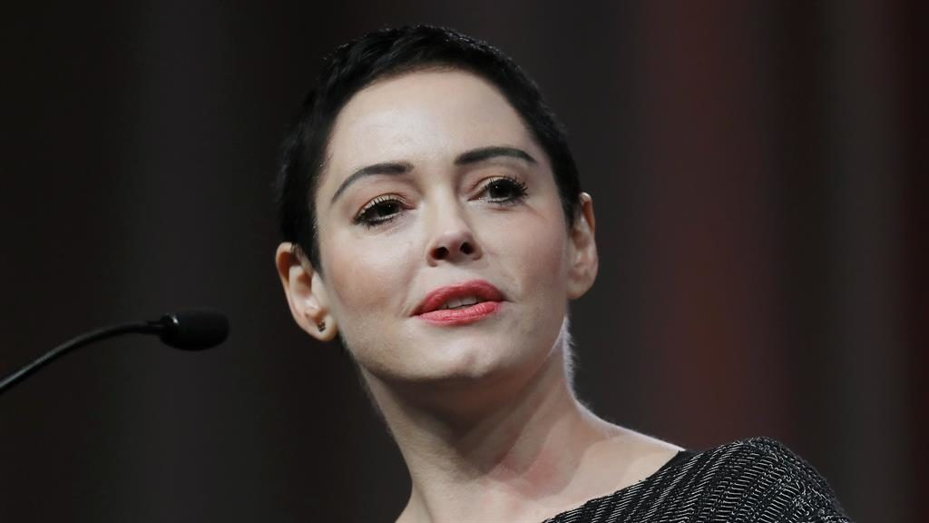 Arrest warrant against Harvey Weinstein accuser Rose McGowan class=