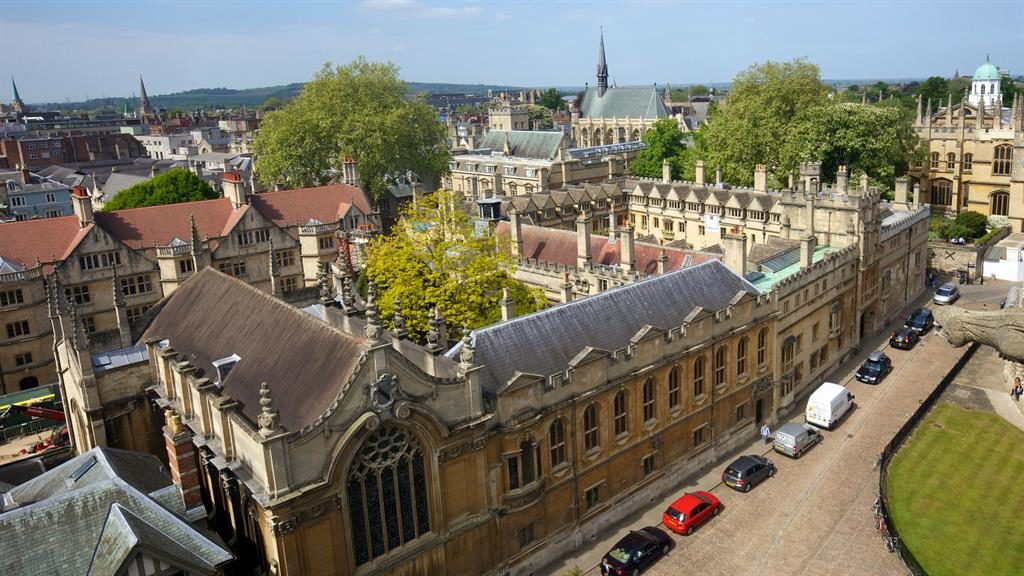 Oxford graduate sues university for £1m over 'inadequate' teaching… 17 years later