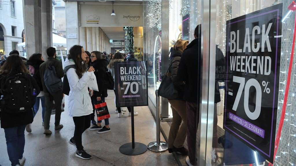 Black Friday Physical Store Sales Turn Out Better Than Expected