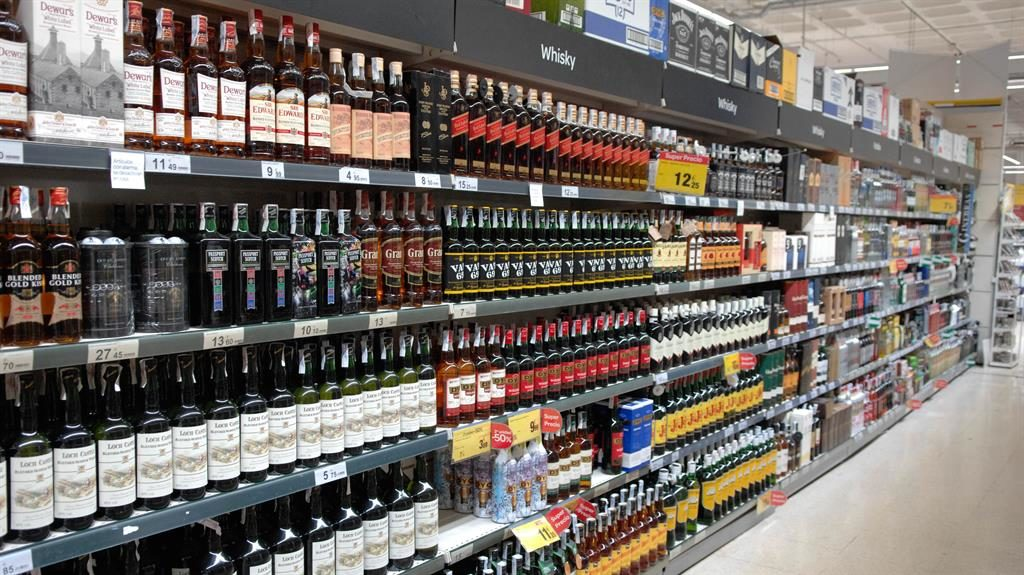 Top Four UK Grocers Increase Sales, but Still Lose Market Share