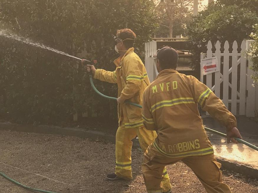 Oprah Winfrey, Rob Lowe fear losing homes in LA wildfire