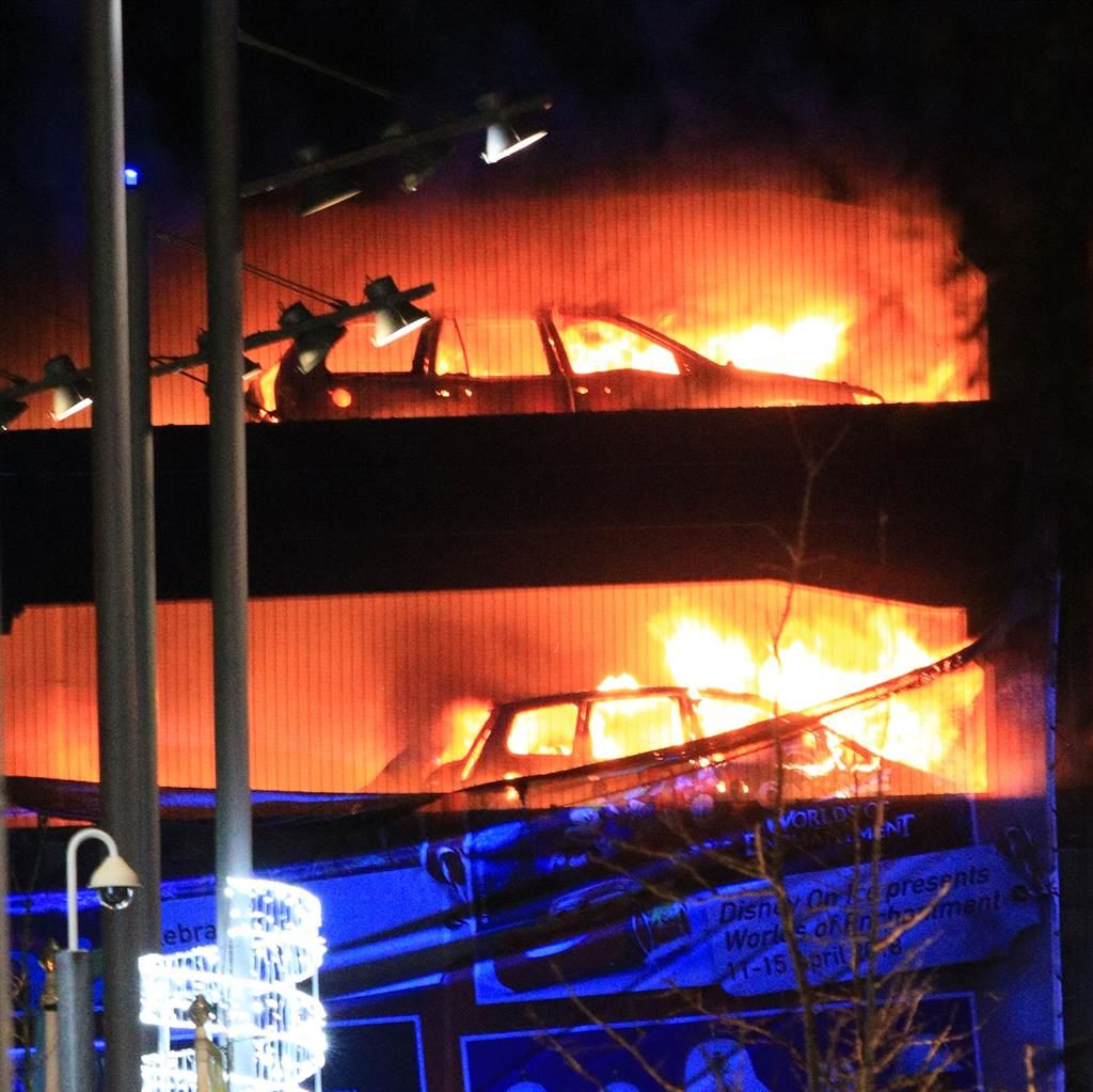 Huge blaze engulfs 1600-capacity parking deck in Liverpool, UK