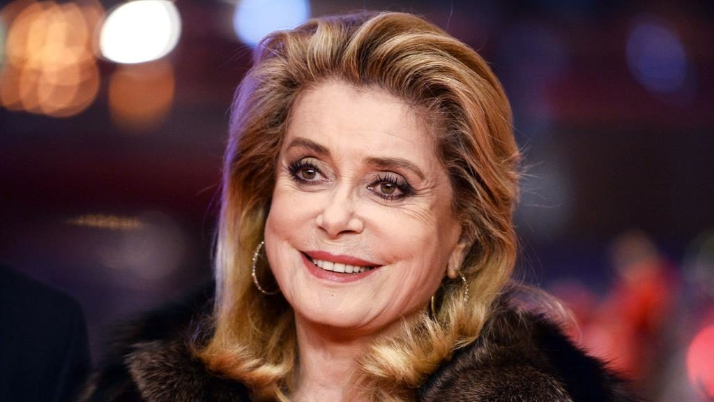 Catherine Deneuve defends men's right to 'seduce', denounces #MeToo campaign