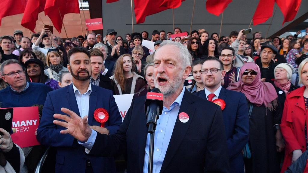 Corbyn attacks 'negligent' government over Carillion woes