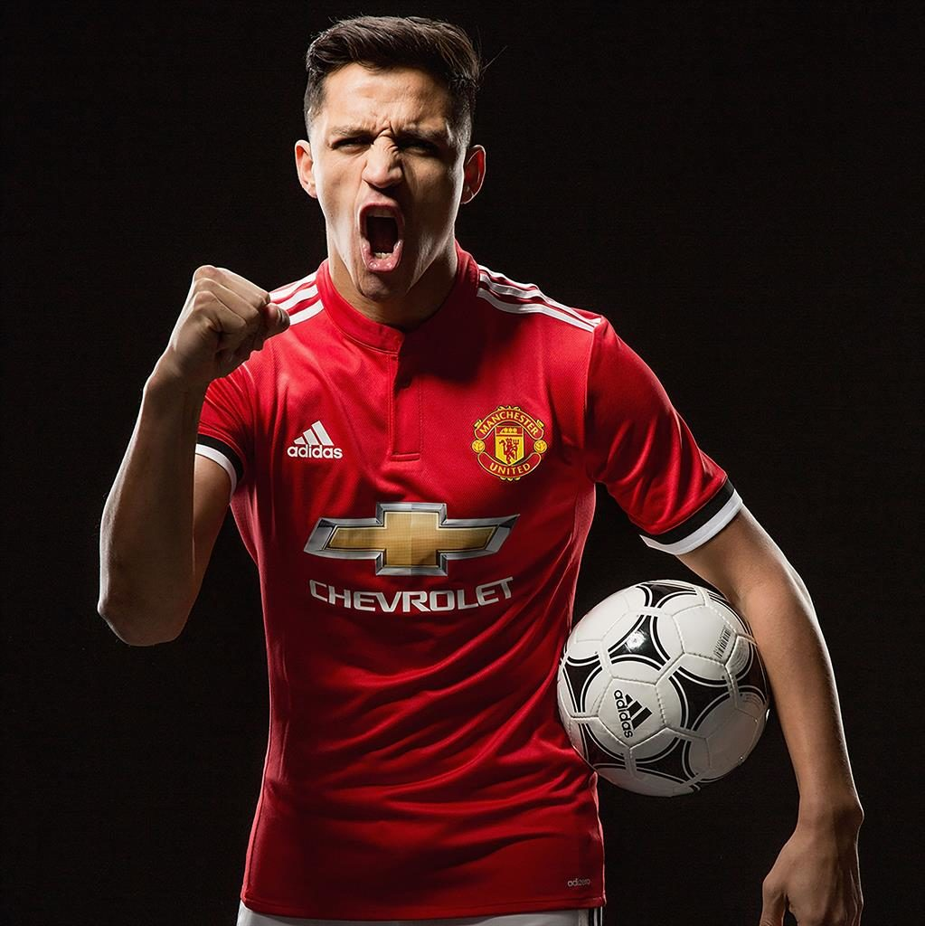 Manchester United Reveal Alexis Sanchez's Wages
