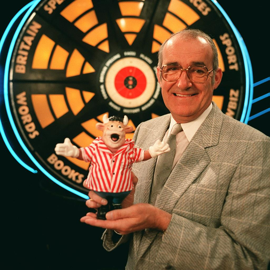 Bullseye's Jim Bowen has died, aged 80