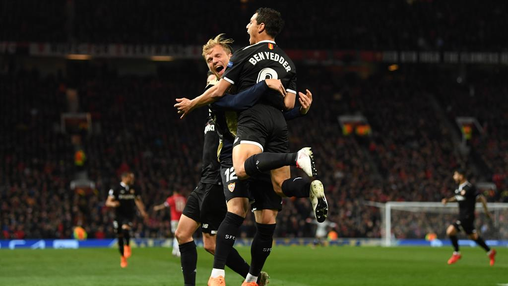 Sub standard Ben Yedder celebrates with Johannes Geis