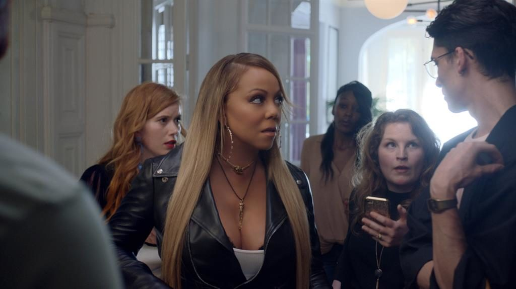 Notorious Diva Mariah Carey Stays at a Budget Hostel in New Commercial