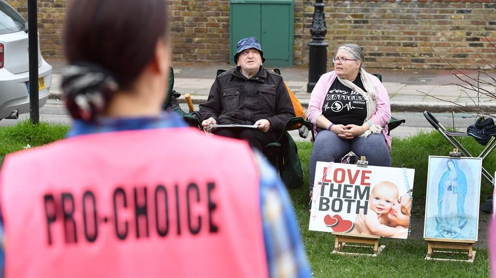 Abortion clinic prayer vigils banned by London council