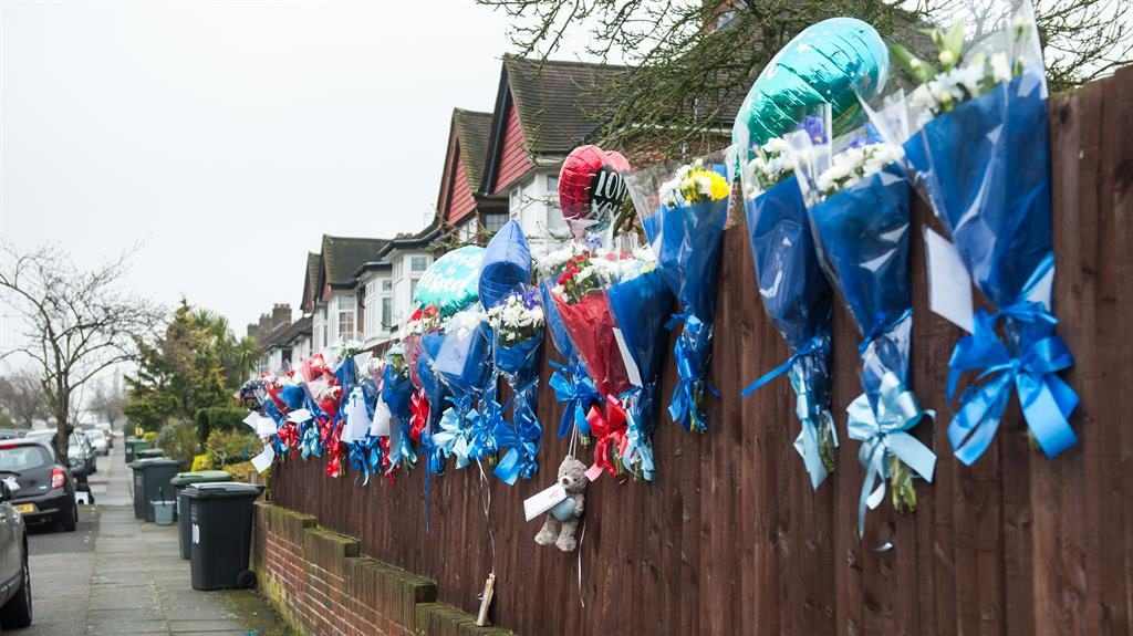 Memorial to Hither Green burglar torn down but…